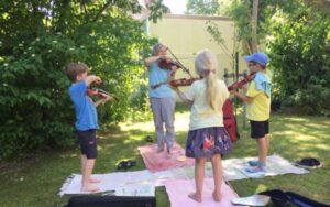 """Kinder im Kurs """"Instrumenten-Karussell"""" Schleswig"""