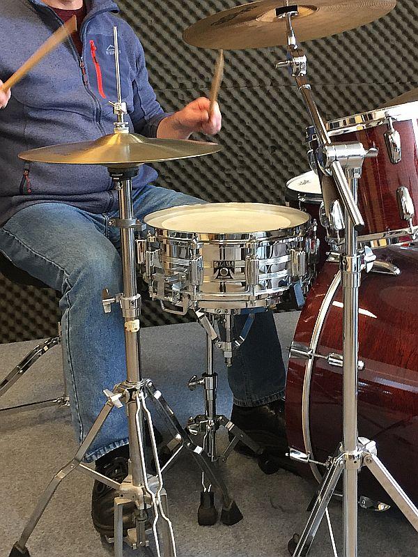 Musiker am Schlagzeug